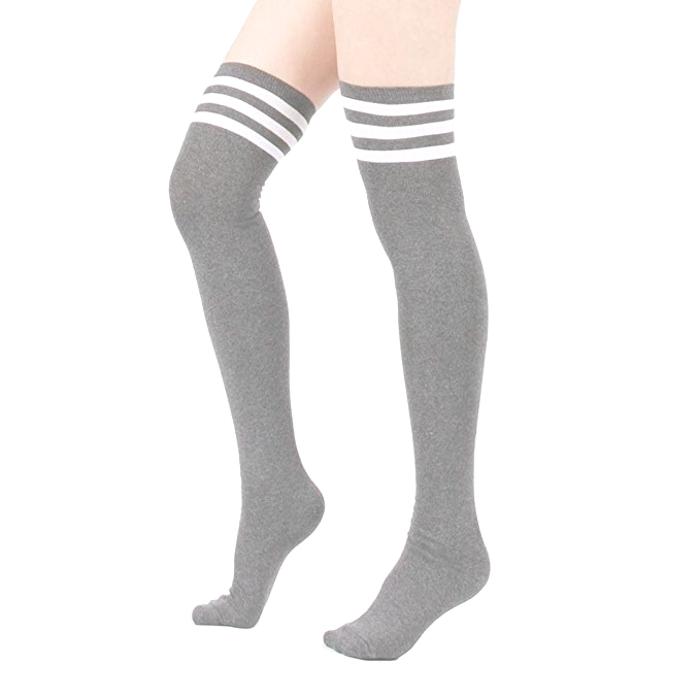 Beyaz Çizgili Pamuklu Diz Üstü Çorap Gri