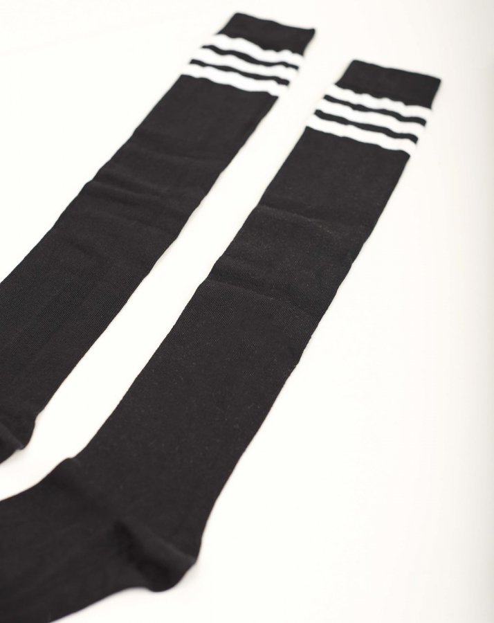 Beyaz Çizgili Pamuklu Diz Üstü Çorap Siyah