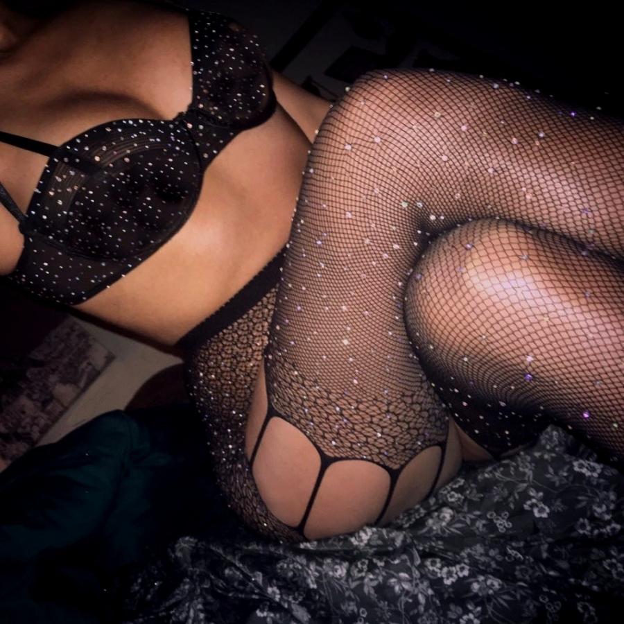 Diamond Jartiyer Desenli Taşlı File Külotlu Çorap Siyah