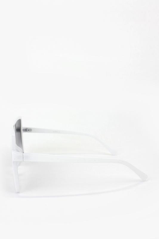 Catrina Büyük Kare Çerçeveli Güneş Gözlüğü Beyaz
