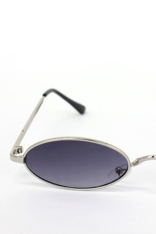 Classy Silver Metal Çerçeveli Küçük Oval Unisex Güneş Gözlüğü Füme Gri