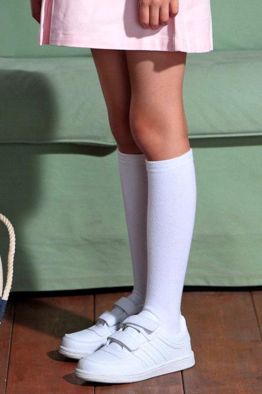 Düz Pamuklu Diz Altı Çocuk Çorabı Beyaz