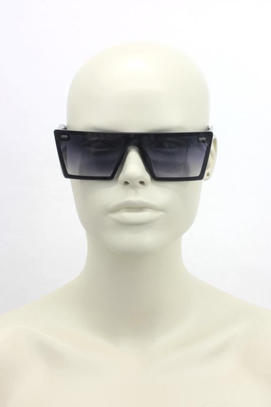 Lotta Kare Büyük Güneş Gözlüğü Siyah Beyaz Kulplu Degrade Siyah