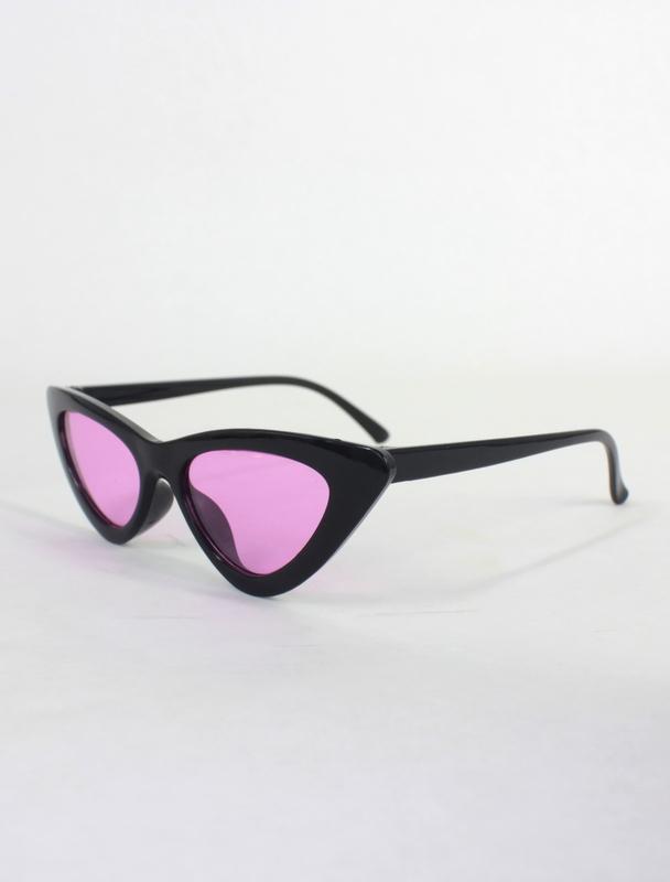 Retro Üçgen Cat Eye Mor Camlı Bayan Güneş Gözlüğü Siyah