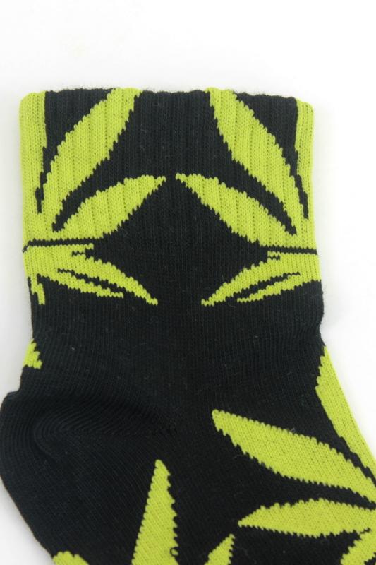 Yaprak Desenli Pamuklu Kısa Bayan Çorabı Neon Siyah Yeşil