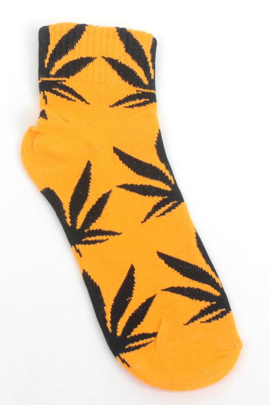Yaprak Desenli Pamuklu Kısa Bayan Çorabı Neon Turuncu Siyah